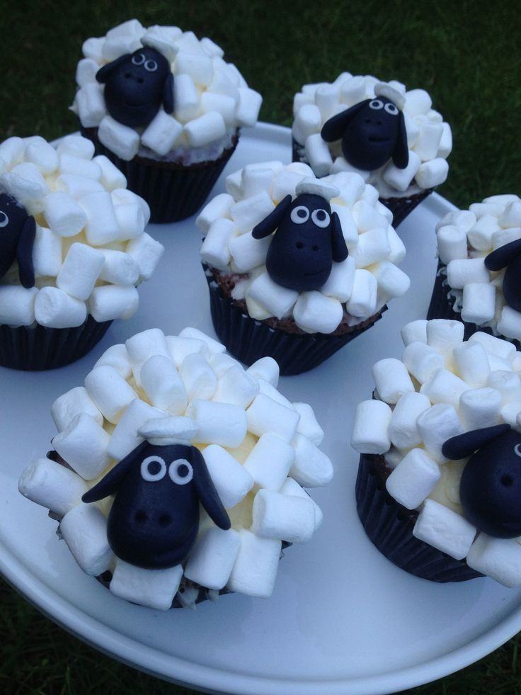Novelty sheep cupcakes www.s-k-cakes.co.uk