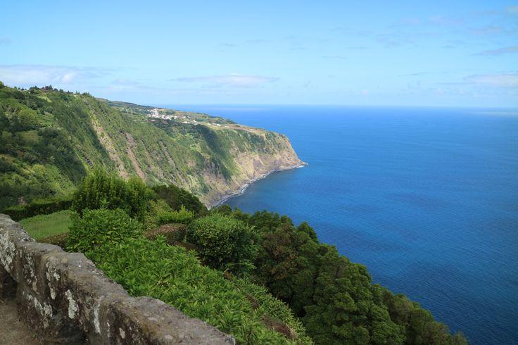 Vista do Miradouro da Ponta de Madrugada > São Miguel > Açores > Portugal