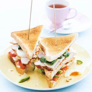 Recept - Clubsandwich met ei, kip & avocado - Allerhande