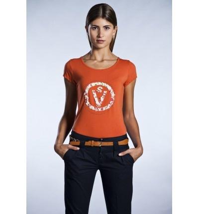 Camiseta naranja con transfer SV