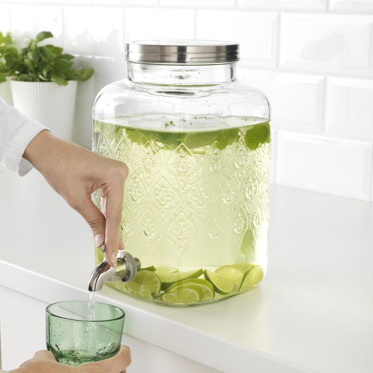 SOMMAR 2017 vat met tapkraan | IKEA IKEAnederland IKEAnl nieuw koken eten drinken water glas zomer lente voorjaar buiten keuken eetkamer