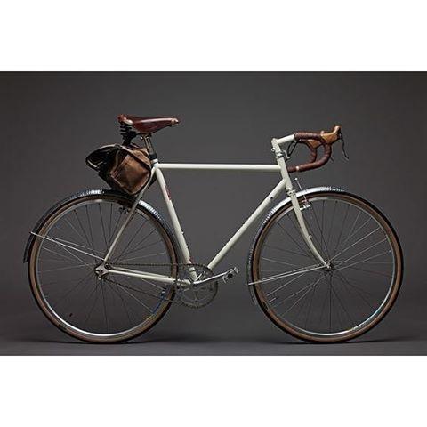 Bicycle Makers es una web especializada en bicicletas. ¿Quieres conocernos mejor? Solo tienes que pinchar en el enlace a nuestra página que aparece en el perfil. #bici #bike #bicicleta #constructoresdebicicletas