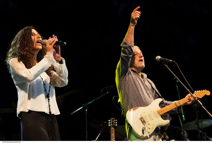https://flic.kr/p/JTcfrw | Ελευθερία Αρβανιτάκη - Νίκος Πορτοκάλογλου - 19/07/2016 | Οι εξαιρετικοί Ελευθερία Αρβανιτάκη και Νίκος Πορτοκάλογλου στο Φεστιβάλ Αμαρουσίου 2016 Like us @ Facebook: www.fb.com/festivalmaroussi Follow us @ Twitter: www.twitter.com/festivalmarousi