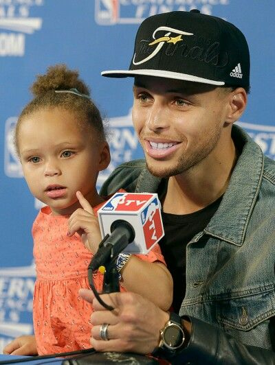 Stephen Curry x his daughter Riley