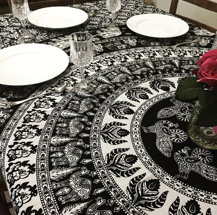 Monochrome Mandala Tapestry / Tablecloth | The Hues of India