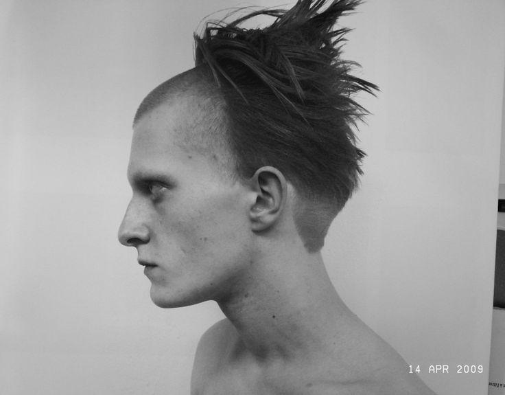 pin  chi long  shaved front avant garde long hair