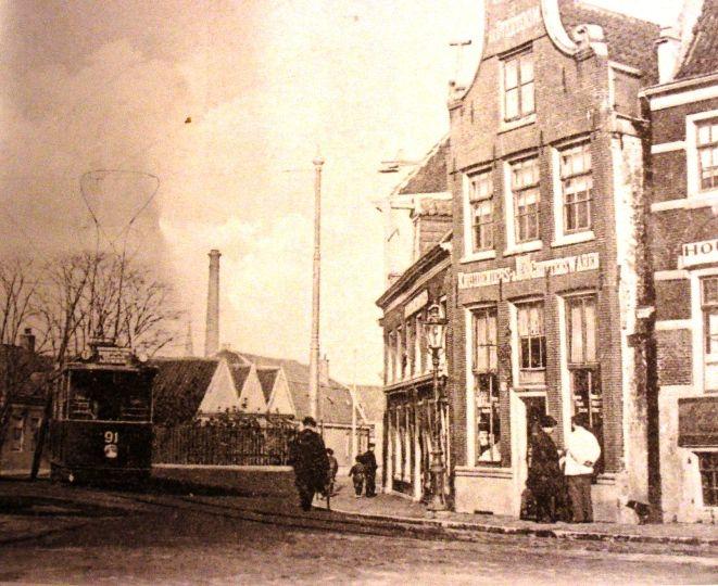 Kruidenier Jan Evers Overtoom 589 . Op deze plek staat nu het gebouw van voorheen Ben Pon.