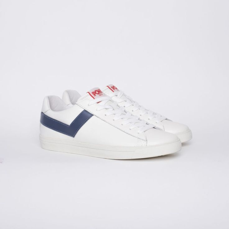 <p><b>Rep the original sneaker!</b></p> <p>A classic trademark style with a crisp modern finish, PONY brings back the 1975 Top Star Ox. With its clean lines and a streamlined shape, the low-top leather sneaker brings its authentic vintage feel to today's street wear charm. Featuring the signature PONY chevron on both sides and the logo on the back panel and tongue, the Top Star Ox will keep you cool and contemporary in this street wear classic.<&#x...