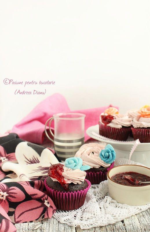 """Cred ca am devenit dependenta de minunatiile astea mici si frumoase pentru ca in ultima perioada daca nu am idee ce dulce sa fac, imi vine instantaneu ideea de """"cupcakes"""".  Se fac repede si in mii de combinatii, asa ca ma scot mereu din incurcatura 🙂  Astazi va prezint o reteta cu …"""