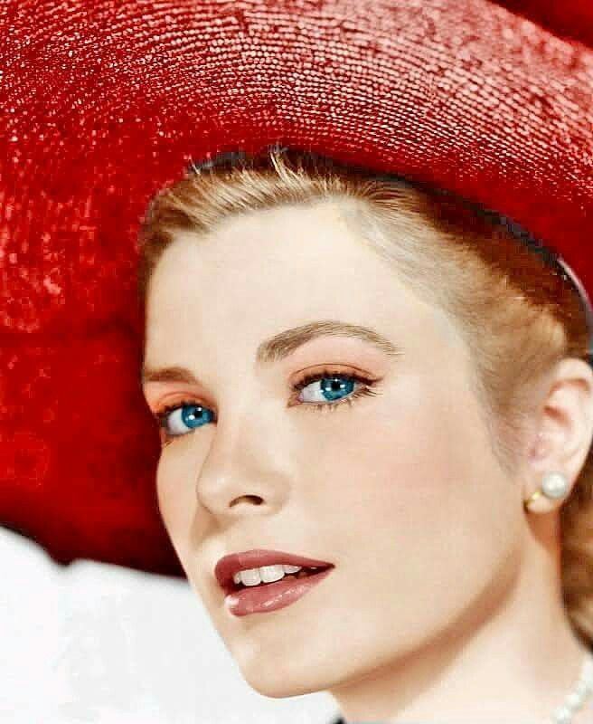 The beautiful, classy Grace Kelly