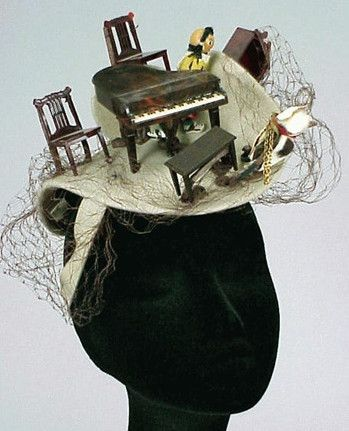 An excellent blog post (Lallu Chic Couture Millinery by Hania Bulczyńska) of Bes-Ben.