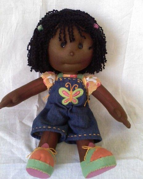 Adoro bonecas de pano!  Duas de minhas daminhas de casamento entraram com bonecas de pano, compradas de última hora e, por isso, não muito c...