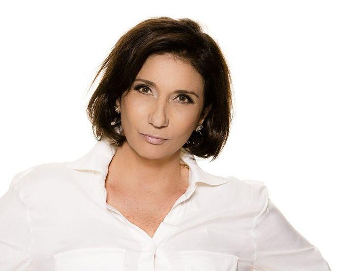 A cantora Zizi Possi se apresenta no sábado, dia 20, no Sesc Fortaleza, pelo do projeto Estacionamento da Música.