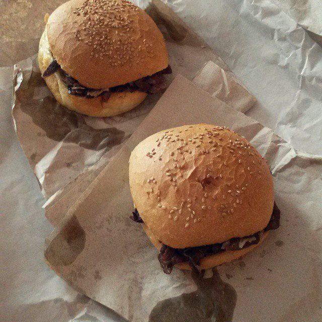 #Sicily #Italy #food Pane Ca Meusa | Greasy sicilian spleen sandwich #Palermo #StreetFood  http://smartraveller.it/2014/10/11/palermo-streetfood