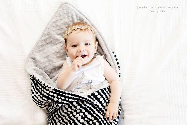Little Sophie baby blanket - BEADS. Photos Justyna Bronowska #beads #scandi #scandinavianstyle #babyblanket #minky #littlesophie #minkyblanket #blackwhite @justabronowska
