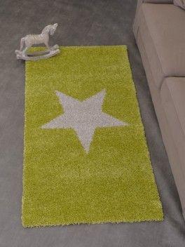 """Pour une touche d'originalité optez pour le tapis NOBLESSE COSY. Déclinable en plusieurs colories (Vert, Bleu, Violet, Gris), il sera parfait pour une chambre d'enfant et d'adolescent. Disponible sur notre site web dans la rubrique """"Tapis""""."""