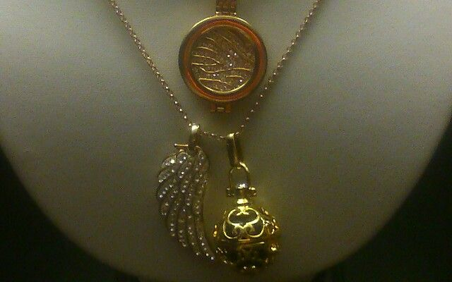 Coin holder, Angel caller and Angel wing, beautiful gifts for Christmas. glamtasticjewellery@gmail.com