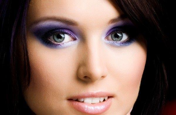 Pasos para Maquillarse los Ojos Ahumados - Para Más Información Ingresa en: http://maquillajedefantasia.com/pasos-para-maquillarse-los-ojos-ahumados/