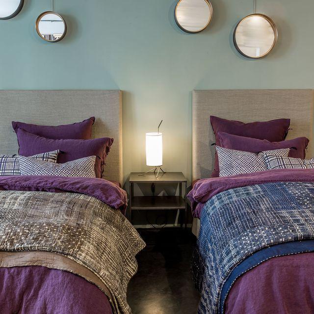 1000 id es sur le th me lits jumeaux sur pinterest lits divans sectionnels et chambres d 39 h te. Black Bedroom Furniture Sets. Home Design Ideas