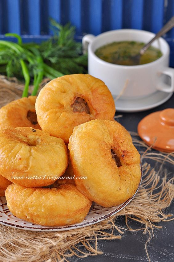 В татарской кухне перемячи (беляши) занимают одно из главных мест. Их готовят на все праздники, свадьбы, в будние дни. Сочные, вкусные, аппетитные перемячи не…