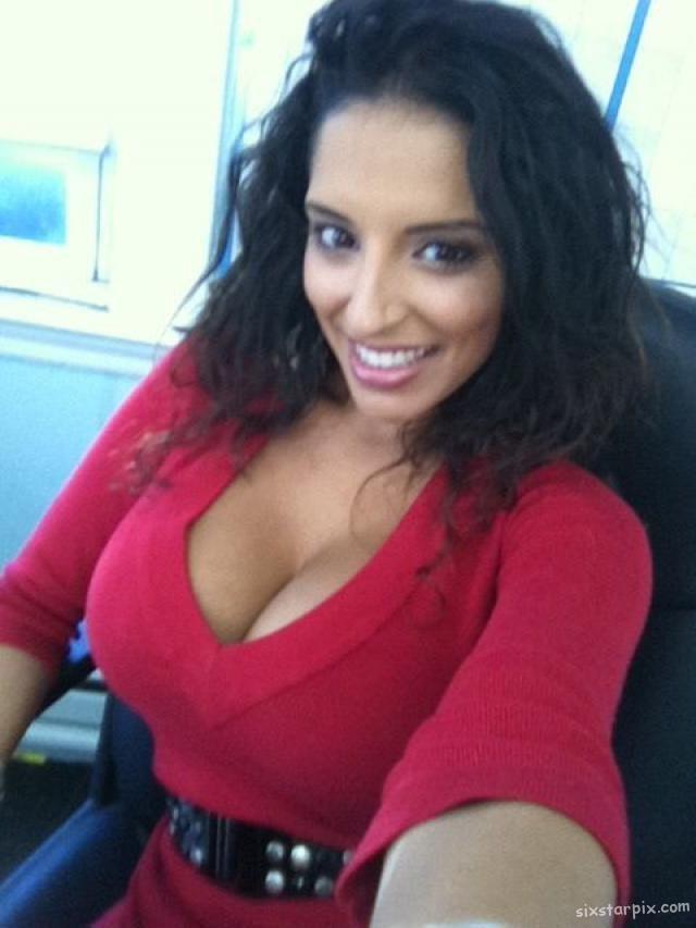 Large Latina Tits