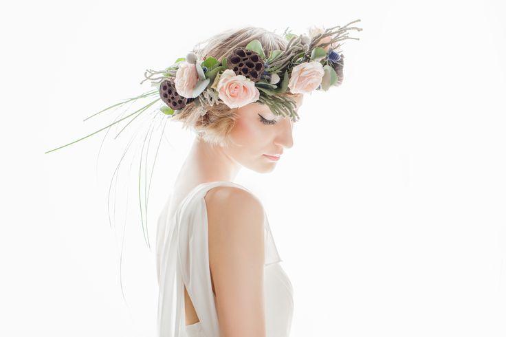 INNA Studio_  floral crowns / wianek z elementami suszu egzatycznego / inny / fot. Bajkowe Śluby