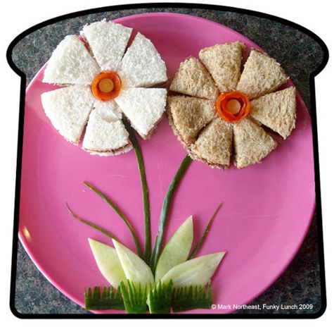 Edible Crafts: Fun Food, Kids Lunches, Funfood, Kidsfood, For Kids, Flowers Sandwiches, Parties, Sandwiches Ideas, Kids Food