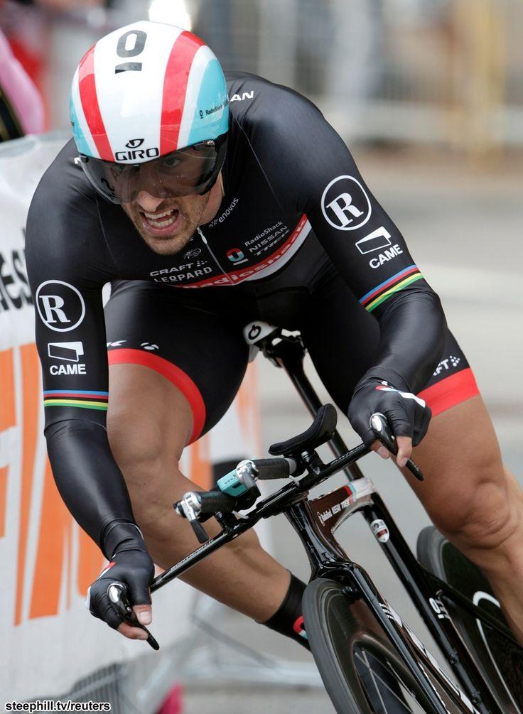 Fabian Cancellara is een van 's werelds beste wielrenners. Een machine op de fiets, hartverwarmende persoon naast de fiets.