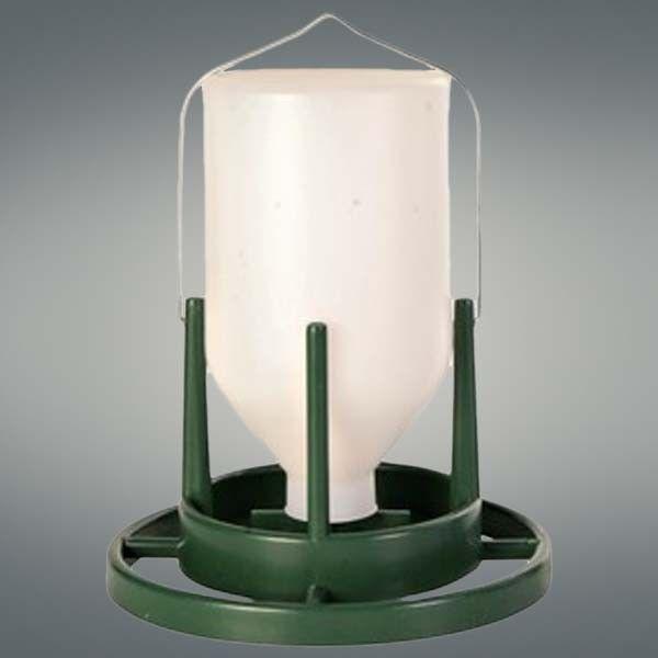 DISTRIBUTORE ACQUA PER VOLIERE 1 LT   Distributore d'acqua in plastica per volatili.  7,50 €  https://www.pets-house.it/beverini/2564-distributore-acqua-per-voliere-1-lt-4011905054537.html