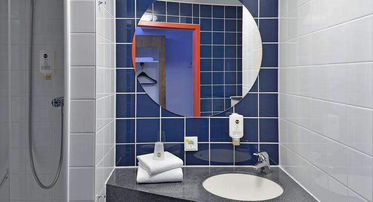Badezimmer im B&B Hotel Saarbrücken-Hbf