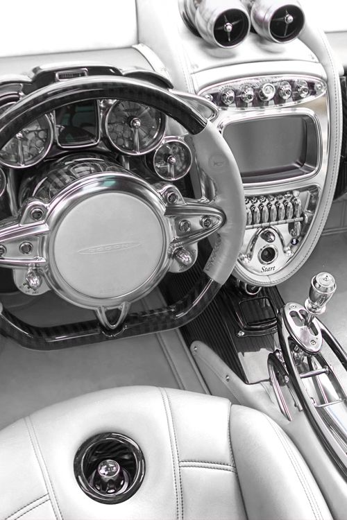 Pagani Interior // hu-y-co.tumblr.com