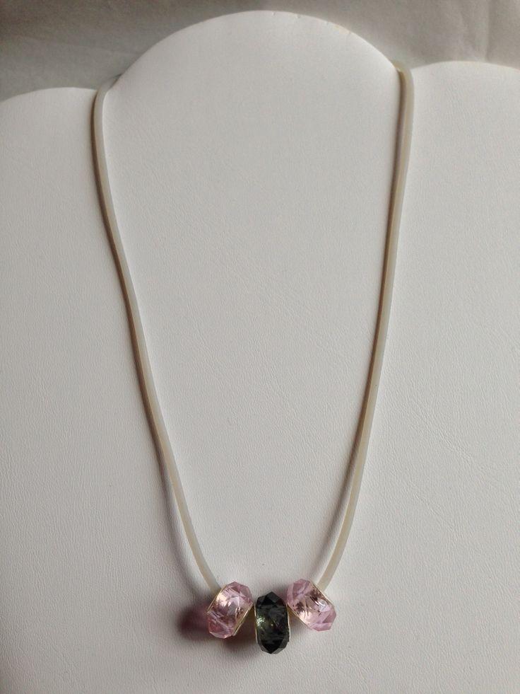 Collana stile Pandora con cordino in caucciù e perle di ...