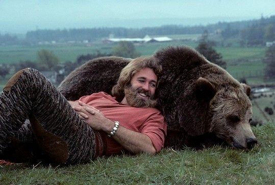Dan Haggerty v jeho nejslavnějším snímku The Life and Times of Grizzly Adams