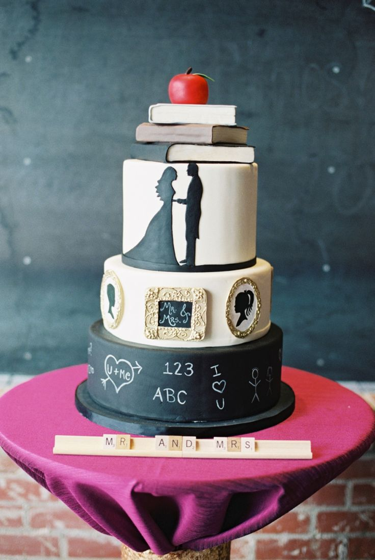 Chalkboard inspired wedding cake // photo by http://9nl.eu/liveviewfeat, see more: http://theeverylastdetail.com/childhood-sweetheart-wedding-ideas/