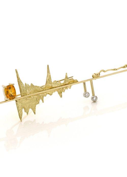 Sabine Eekels - Fine Art Jewelry Gouden-broche-oranje-granaat-diamanten