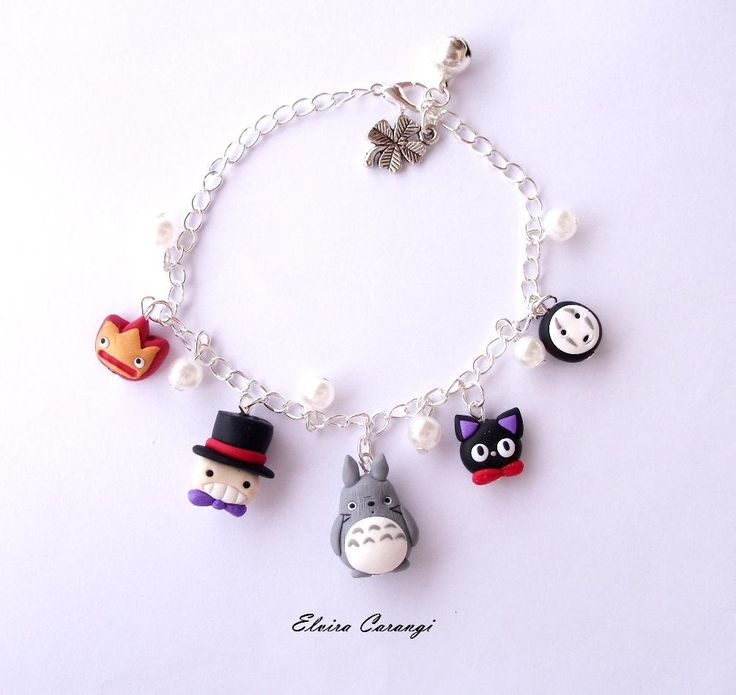 Ghibli studio inspired bracelet with totoro, noface, calcifer, scarecrow and jiji from kiki's delivery, polymer clay, miyazaki fanart de ElviraCarangi en Etsy https://www.etsy.com/es/listing/255823829/ghibli-studio-inspired-bracelet-with