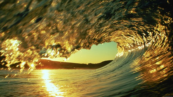 Wave with wrapping sunray in it. #AmazingPhotography #TravelPhotography