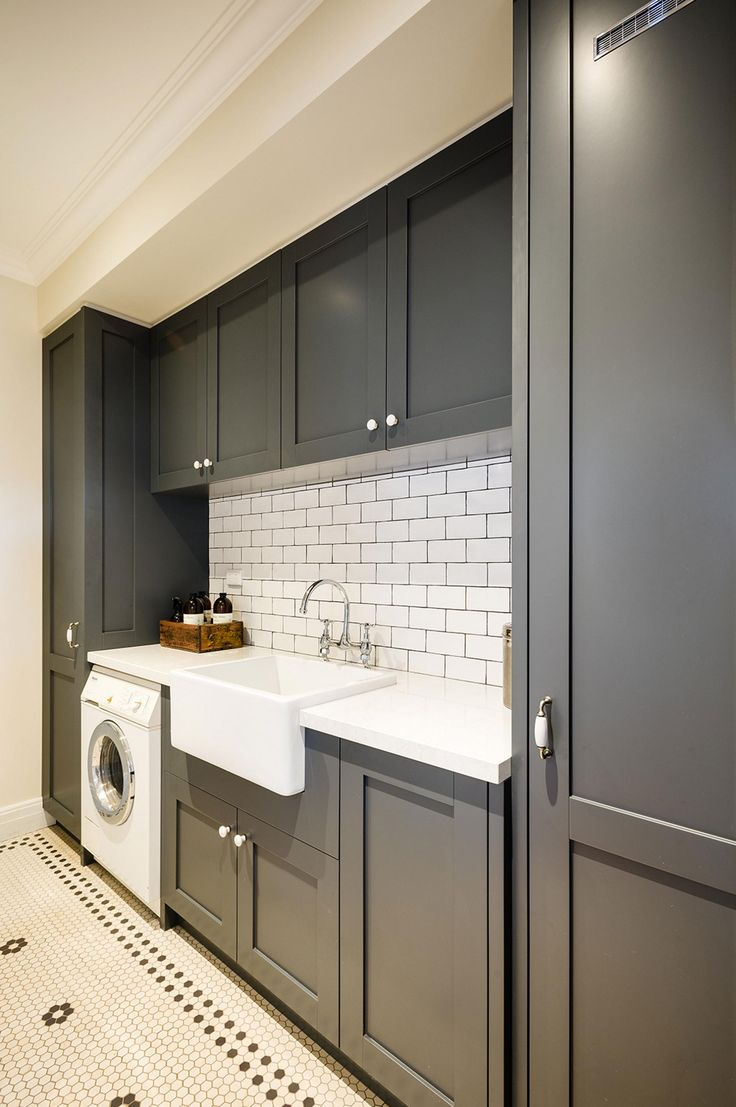 So sleek! Design by Steding Interiors & Joinery. Photography by Tim Turner.