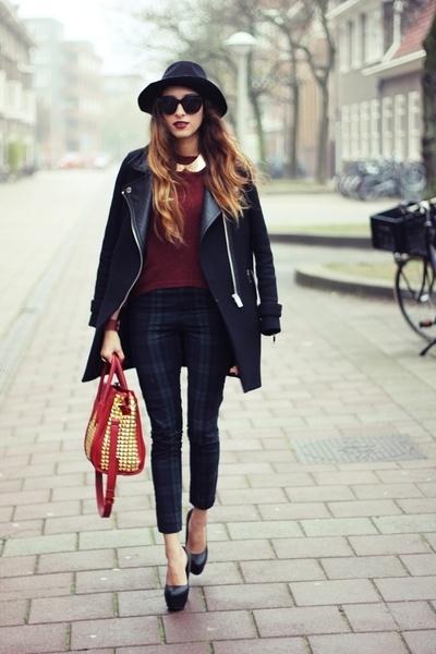 Street Style Inspiration - Tartan trousers // BEST OUTFIT EVER // vintage tartan // winter coat
