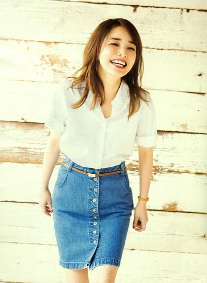 Rinka (Japanese Model) in MORE (Fashion magazine) 2013.