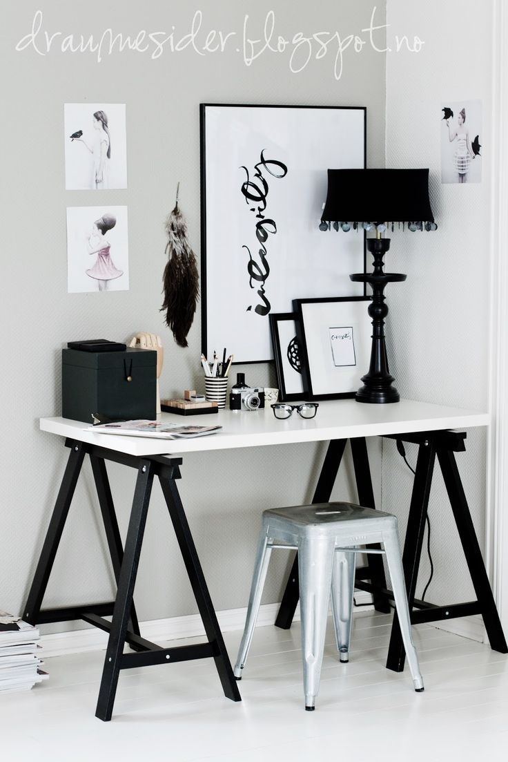 Draumesidene: Office & Vee Speers  I like the black and ire theme