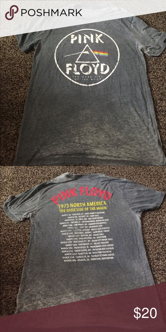 """Vintage Pink Floyd Gray Pink Floyd Tee with 1973 North America """"The dark side of the moon"""" tour dates on the back. Vintage tee. Tops Tees - Short Sleeve"""