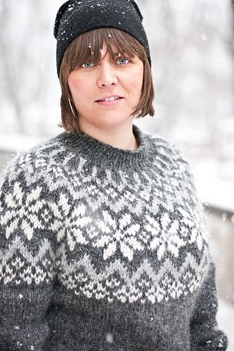 Ravelry: Snjóflyksa pattern by Linnea Ornstein (14 stitches and 19 rows = 4 inches)