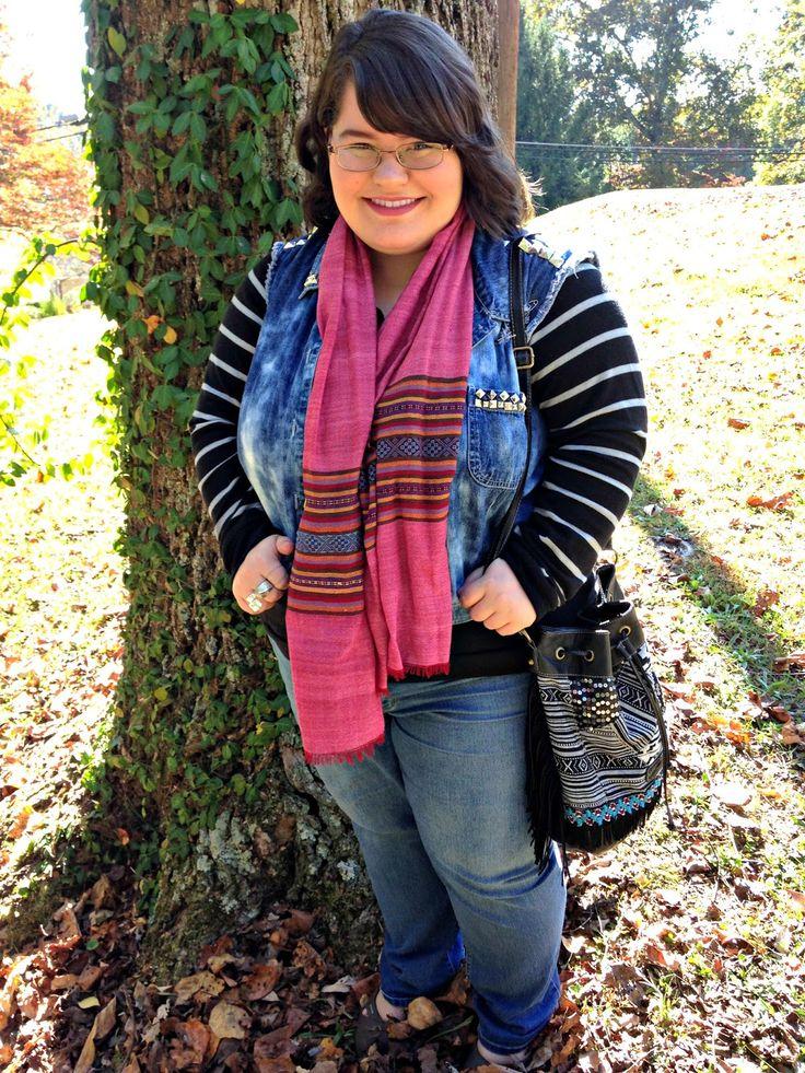 Unique Geek: Plus Size OOTD: It's A Texture Thing #plussizefashion #plussize #plussizefashionblogger #plussizefalloutfit #scarf #denimvest: