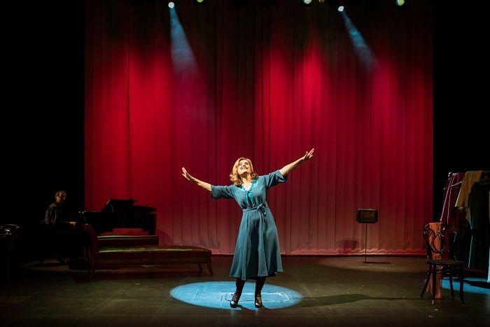 Catisart - «Aπόψε: Lola Blau», μιούζικαλ - καυστική σάτιρα για μία ηθοποιό στη Θεσσαλονίκη