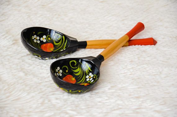 Check out this item in my Etsy shop https://www.etsy.com/listing/575514739/wooden-spoon-vintage-set-of-2-pieces-art
