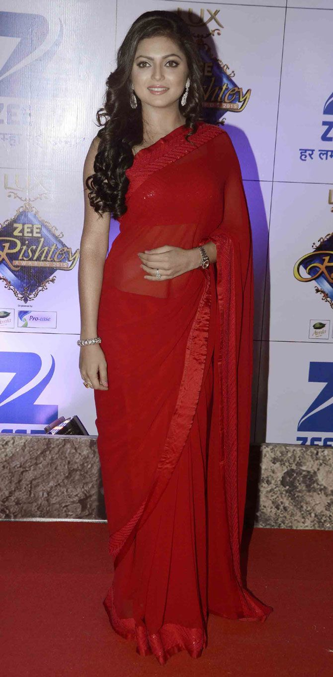 Drashti Dhami : Photos: Top Bollywood, telly stars at an awards event