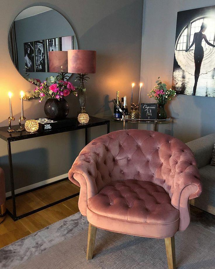 "ɪɴᴛᴇʀɪᴏʀ & ᴅɪʏ på Instagram: ""New chair ? In collaboration with My Furniture got this velvet armchair called Georgie ?? Its n…"