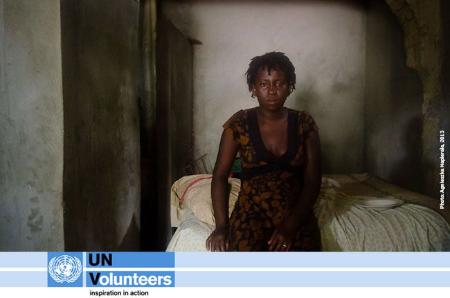 """TODAY on day 9 of UNV Connect, we focus on ending poverty #EndPovertyFriday.  Read about a UN #Volunteer who is """"telling the stories of teenage mothers"""" in Haiti & creating awareness of #MDG1: eradicating extreme poverty & hunger. http://www.unv.org/en/what-we-do/thematic-areas/poverty/doc/telling-the-story-of.html  Tag your photos/videos/vines w/ #UNVyouth on Facebook, Twitter, Google+, Pinterest & Instagram to show your support of peace & development through volunteerism."""