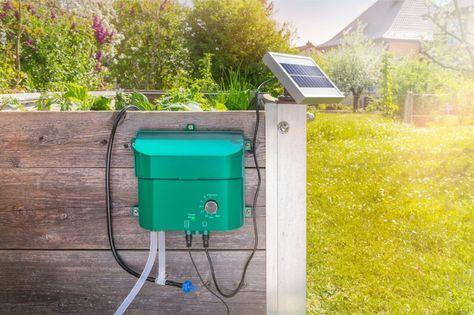Automatische Solar Bewässerungssysteme llll➤ Stufengeregelter Bewässerungscomputer sorgt für effektives Gießen ✅ Irrigatia Solar Bewässerungssystem ✅ Esotec